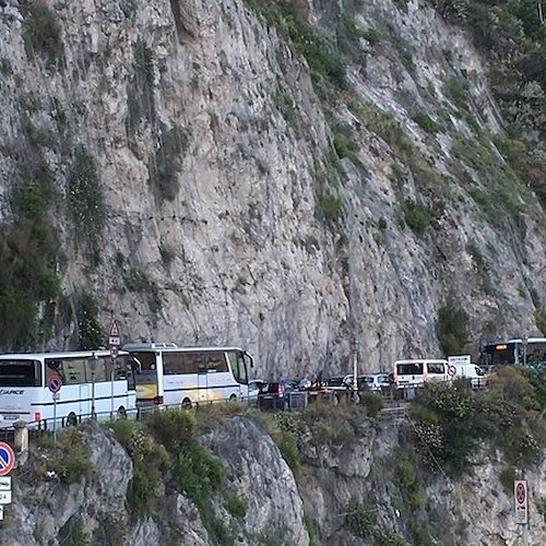 Petizione on line per dire Stop all'invasione dei bus turistici: da Positano adesione in massa